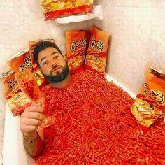 Hora del baño!  Yo  los cheetos.  #ILoveCheetos #EntraleGordito #Cheeeeeeeeeeeetooooooooos