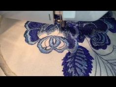 """Embroidery on the sewing machine in """"ГЖЕЛЬ""""Sewing Machine Embroidery style ☘️ Freihandsticken Nähmaschine Sewing Machine Embroidery, Free Motion Embroidery, Embroidery Needles, Embroidery Files, Hand Embroidery, Coat Patterns, Quilt Patterns, Thread Painting, Lace Making"""