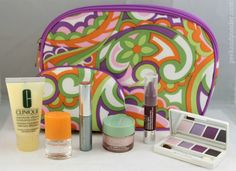 8-pc Clinique gift set .. I hope they have one like this when we go to the sale on Friday *fingers crossed*