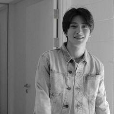 """yes, i'm a jerk. Johnny Seo, Valentines For Boys, Jung Jaehyun, Jung Yoon, Jaehyun Nct, Na Jaemin, Kpop, Winwin, Yuta"