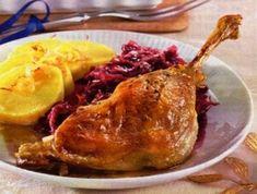 SVATOMARTINSKÁ HUSA, ZELÍ BRAMBOROVÝ KNEDLÍK. Czech Recipes, Bon Appetit, Food And Drink, Turkey, Meat, Cooking, Kitchens, Kitchen, Turkey Country