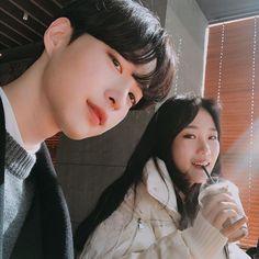 Mode Ulzzang, Ulzzang Korea, Korean Ulzzang, Ulzzang Girl, Korean Best Friends, Boy And Girl Best Friends, Cute Korean, Korean Girl, Couple Goals Cuddling