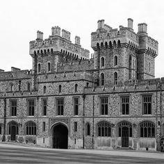 Upper Ward of the Windsor Castle, Berkshire, United Kingdon  #architecture #archilovers #gothic #design #bw #blackandwhite #blackandwhitephotography #british #royalfamily #unitedkingdom #windsor #travel #maidenhead #castles #palaces