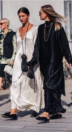 34 Super Ideas For Fashion Week Outfit Black Mode Chic, Mode Style, Style Me, Daily Style, Look Fashion, Trendy Fashion, Fashion Design, Fashion Trends, Fashion Black