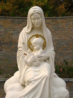 Statue of the Blessed Mother Mary and Child at the Blue Army Shrine in Washington, NJ.