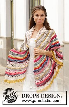 Crochet shawl with texture and stripes, worked top down. The piece is worked in … Crochet shawl with texture and stripes, worked top down. The piece is worked in DROPS Cotton Merino Crochet Cowl Free Pattern, Crochet Shawl Free, Crochet Shawls And Wraps, Crochet Scarves, Crochet Clothes, Crochet Lace, Crochet Patterns, Knitting Patterns, Crochet Capas