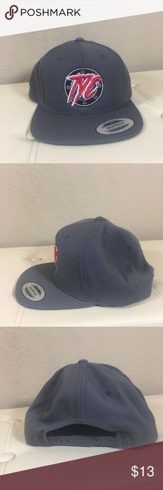 Men's SnapBack Hat The classic brand men's grey SnapBack. Excellent condition. No trades   -- PO DRAWER  #snapback #menshat #hat Accessories Hats