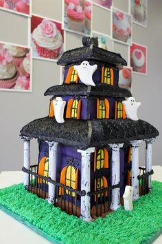 Cakes - Custom Birthday Cake, Special Event Cakes, 3D Birthday Cake, Fondant, Butter Cream, Grooms Cakes, Cupcake Tower | My Delicias - Customer Bakery Allen Texas
