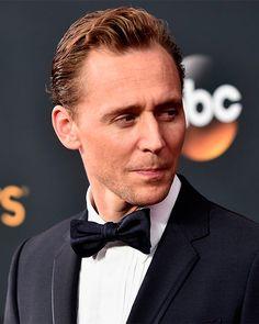 Tom Hiddleston attends the Annual Primetime Emmy Awards at Microsoft Theater on September 2016 in Los Angeles, California. (Via Torrilla). Full size image: https://i.imgur.com/75ZILPE.jpg
