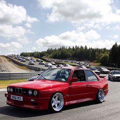 いいね!1,727件、コメント4件 ― E30meetさん(@e30meet)のInstagramアカウント: 「Gotta love E30Meet! @bmwclassic」 M2 Bmw, Bmw E30 M3, Bmw X7, Maserati, Ac Schnitzer, Bmw Performance, Bmw Concept, Bmw Wallpapers, Sports Sedan