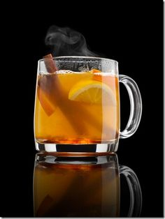 National Hot Toddy Day is upon us and it's time to continue to embrace the colder winter weather. There's no better reason to cozy up with friends and family and. Cinnamon Tea, Cinnamon Recipes, Honey And Cinnamon, Raw Honey, Cinnamon Sticks, Honey Lemon, Detox Drinks, Healthy Drinks, Healthy Tips