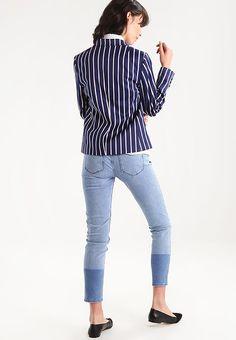fc9aa3f9bb060a Kleding Banana Republic VERTICAL STRIPED CUTAWAY - Blazer - bold blue  stripe Blauw  € 129