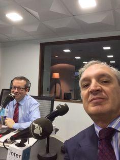 """Antonio Banda, CEO de Feelcapital, junto al periodista económico Rafa Nieto en Radio Inter (Radio Intereconomía). """"En el mundo de los fondos de inversión no estamos acostumbrados a recibir información veraz"""", afirmó Banda en antena. #FondosDeInversión (3 de noviembre de 2015)."""
