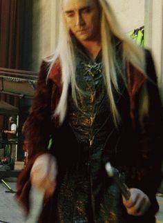 HIS HAAAAAAAIIIIIIIIRRRRRRRRRRRRRR!!! *fangirl squee* Look at it flow in all it's swishy swishy majesty. #thranduil