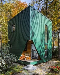 Modern Tiny Living is one of the only tiny house builders in the nation with an Ohio-certified architect and interior designer on our team. Modern Tiny House, Tiny House Living, Tiny House Design, Home Living, Living Rooms, Casas Containers, Prefab Homes, Design Case, Little Houses