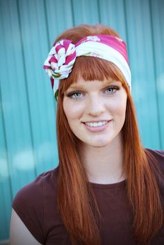 50+ DIY crafts and projects on I Heart Nap Time 50 Diy Crafts, Bee Crafts, Rosie Riveter, Flowers In Hair, Flower Hair, Flower Crown, Fabric Flowers, Diy Accessories, Rose Headband