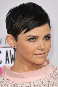 classic+pixie+haircut+with+side+bangs