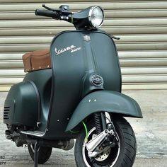 Vespa VespaYou can find Vespa scooters and more on our website. Piaggio Vespa, Vespa Bike, Lambretta Scooter, Scooter Scooter, Vespa Et2, Vespa Px 150, Vespa Sprint, Vintage Vespa, Vespa Motor Scooters