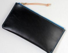 100% Hand-stitched Black Vegetable Tanned Leather Card by AnneSoye