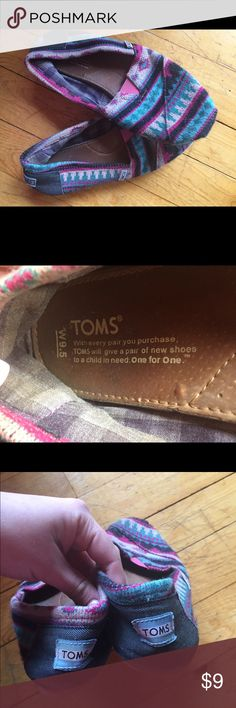 Woman's Size 9.5 Toms Super comfy! Very used, but still can be worn :) I loved these shoes! Please make an offer :) TOMS Shoes Flats & Loafers