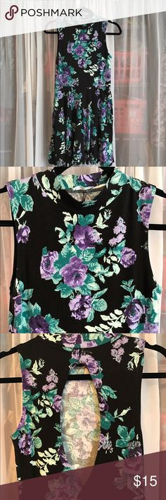 Open back floral tunic with high neckline Lightly worn tunic dress from Urban Outfitters! A bit short, best worn with pants. Trendy high neckline and teardrop detail on the back! Kimchi Blue Dresses Mini