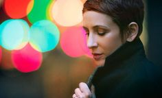 Stacey Kent - Jazz Singer - idea with lights, but indoor and all gold.