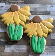 Flower Sugar Cookies, Flowers, Desserts, Food, Tailgate Desserts, Deserts, Essen, Postres, Meals