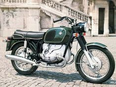The early R50/5 was virtually indistinguishable from the R60/5 and R75/5. This is the 1970 US R50/5 with higher handlebars. BMW Group Archives