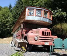 Two nights at Someday Farm Vegan Bed and Breakfast House On Wheels, Vegan Lifestyle, Bed And Breakfast, Recreational Vehicles, Scenery, Bunkhouse, Cabin, Mobile Homes, House Styles
