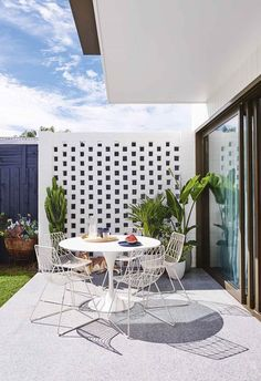 Creating a home that would appeal to a wide range of families was the key objective when planning this contemporary gem in Geelong. Porches, Italian Style Home, Br House, Cinder Block Walls, Backyard Patio Designs, Art Deco Home, Tropical Houses, Tropical Garden, Australian Homes