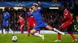 Fernando Torres (Chelsea FC) & Enoch Adu (FC Nordsjælland)   Chelsea 6-1 Nordsjaelland. [05.12.12] Uefa Champions League, Chelsea Fc, Soccer, Sports, Fernando Torres, Hs Sports, Futbol, Soccer Ball, Excercise