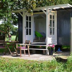 B & B Leuketrijne Fremdenzimmer Friesland - Andrea Ritter Shepherds Hut, Cabin Interiors, Backyard, Patio, Outdoor Living, Outdoor Decor, Easy Garden, Little Houses, Small Houses