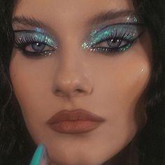 Edgy Makeup, Makeup Eye Looks, Creative Makeup Looks, Eye Makeup Art, Kiss Makeup, Cute Makeup, Makeup Goals, Pretty Makeup, Makeup Inspo