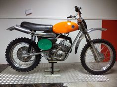Net - Vintage Montesa Photos/Specs/Parts Motocross Bikes, Vintage Motocross, Vintage Motorcycles, Triumph Tiger, Dirt Bikes, Cool Bikes, Motorbikes, Tiger Cub, Cafe Racers