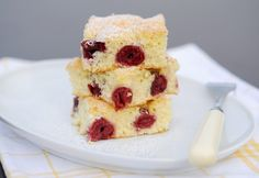 Meggyes piskóta Cake Cookies, Cereal, French Toast, Muffins, Cheesecake, Food And Drink, Favorite Recipes, Sweets, Meals