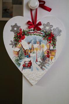 Christmas Decoupage, Christmas Sewing, Christmas Embroidery, Christmas Hearts, Christmas Makes, Christmas Time, Hand Painted Ornaments, Diy Christmas Ornaments, Christmas Gifts