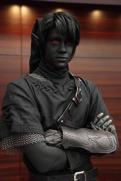 That is a perfect dark link cosplay