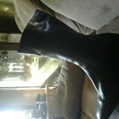 """LADIES BLACK LEATHER ECCO BRAND BOOTS GENTLY USED These are a very nice pair of Ecco black boots that come up to the mid calf. There is some wear on them, but barely noticeable. These are zip up boots with an approximate 2"""" heel. I WILL ONLY ACCEPT MONEY ORDERS OR WESTERN UNION IF NOT PICKING UP LOCALLY. ADD $9.00 FOR SHIPPING. I WILL SHIP IN 2-3 DAYS AFTER RECEIVING PAYMENT. Ecco Shoes Heeled Boots"""