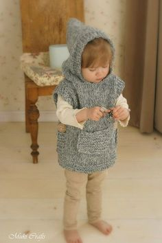 This is knitting pattern for poncho Phoebe with a hood and pocket. The pattern includes instructions for making a simple shaped hooded poncho or cute lop-eared Baby Knitting Patterns, Knitting For Kids, Knitting Projects, Crochet Patterns, Hooded Poncho, Knitted Poncho, Crochet Baby, Knit Crochet, Vest Pattern