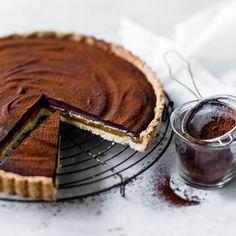Crédit : Wolfgang Schardt / Living at Home/Studio X Chocolate Toffee, Chocolate Recipes, Tarte Caramel, Baking Recipes, Dessert Recipes, Pie Co, Baking Power, German Desserts, Austrian Recipes