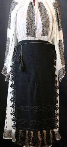 Mini Skirts, Traditional, Fashion, Moda, Fashion Styles, Mini Skirt, Fashion Illustrations
