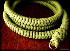 Stormdrane's Blog: A paracord camera strap...