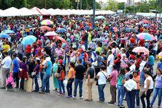 Estas son parte de las aflicciones del pueblo de Venezuela en largas colas en la búsqueda de alimentos  ver mas aquí: http://www.diosenlanoticia.com/2016/04/los-aumentos-de-dolores-en-venezuela-testimonio-para-que-las-naciones-vean-lo-que-les-espera/