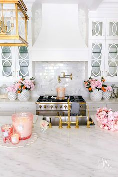 home accessories candles Beautiful Candle Styling Tips - Randi Garrett Design Home Decor Kitchen, Kitchen Interior, Home Kitchens, Kitchen Design, Home Modern, Ideias Diy, Beautiful Candles, Cuisines Design, Home And Deco