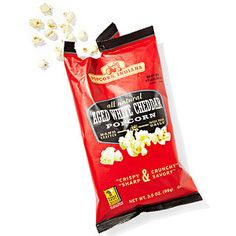 Popcorn - 2 cups Popcorn, Indiana, Aged White Cheddar Popcorn The cheesiest with a fresh less artificial taste. Weight Loss Snacks, Weight Watchers Meals, Healthy School Snacks, Healthy Eating, Healthy Foods, 150 Calorie Snacks, White Cheddar Popcorn, Flat Belly Foods, Essen