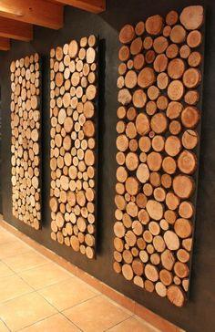 Eye-catcher with wooden discs - JoAnn& DIY ~ Crafts + DIY + Gifts + Decor - . Reclaimed Wood Wall Art, Wooden Wall Art, Wooden Walls, Wooden Diy, Wood Art, Diy Wood, Decor Crafts, Diy Home Decor, Deco Restaurant