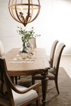 solana dining by hooker furniture