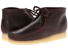 CLARKS CLARKS - WALLABEE BOOT (BROWN TUMBLED LEATHER) MEN'S LACE-UP BOOTS. #clarks #shoes #