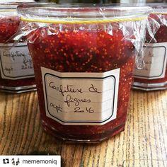 #Repost @mememoniq with @repostapp ・・・ Nous aurons de la confiture de figues cet hiver #confiture #figue #figues #confituredefigues #cuisine #food #homemade #faitmaison N'hésitez pas à nous demander la recette, nous la publierons dans notre bloghttp://cuisine-meme-moniq.com