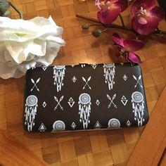 Black dreamcatcher and arrow print wallet So cute! Standard clasp wallet with dreamcatcher and arrow white print. Bags Wallets